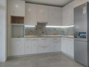 акрилові кухні у Львові